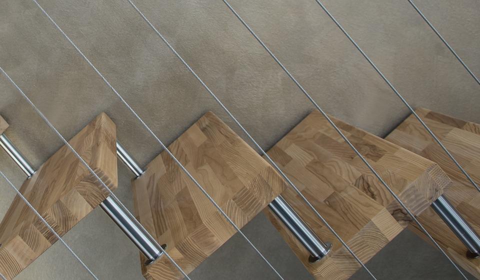 Zábradlí na schodiště ze skla, kovu či dřeva featured image